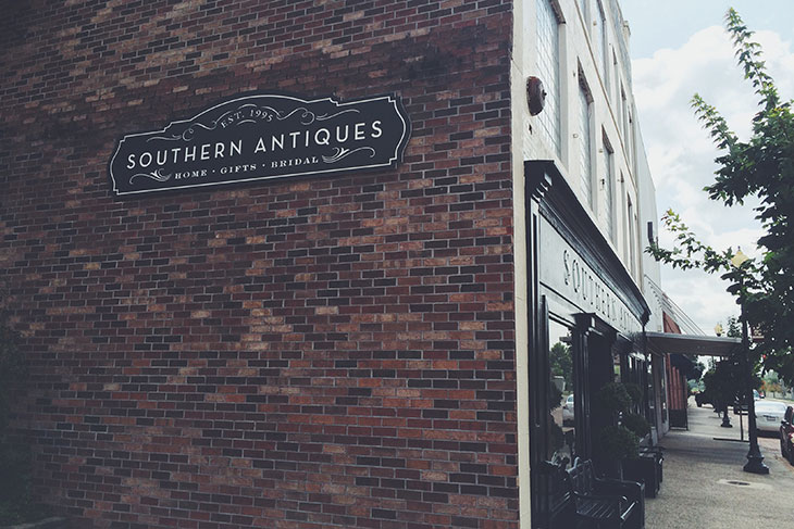 Southern Antique Mall New Sign on Magnolia, St