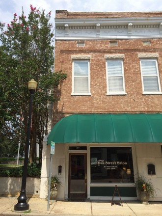 Oak Street Salon opened in Downtown Laurel